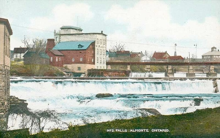 The riverfront circa 1915