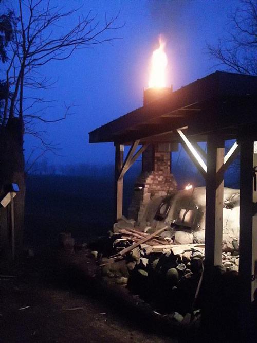 Anagama-kiln-at-night
