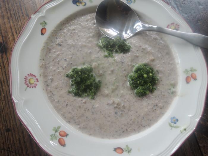 Mushroom soup with Kale pesto