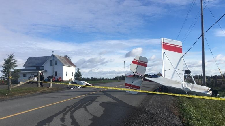 Small plane crashes on Old Almonte Road